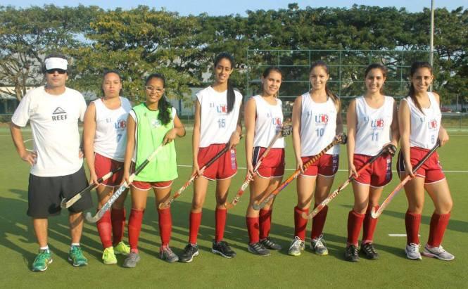 Time feminino do Castelo Waves campeão carioca em 2014