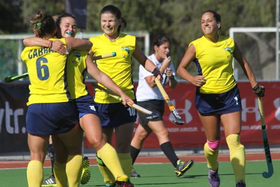 Anita comemora gol contra o Peru. Seleção venceu por 7 a 0.