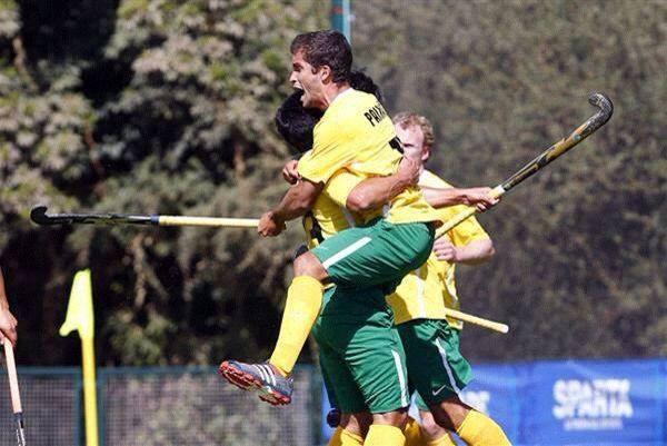 Lucas comemora gol contra o Uruguai na estreia