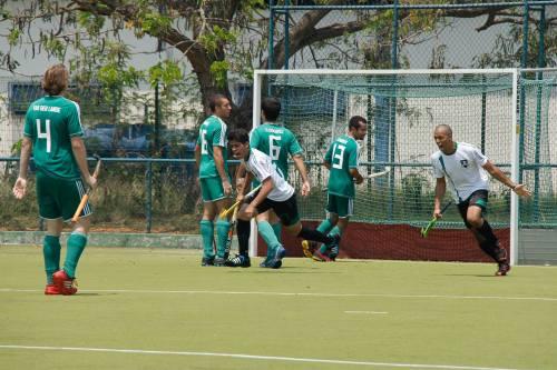 Rio Hóquei comemora gol contra o Macau