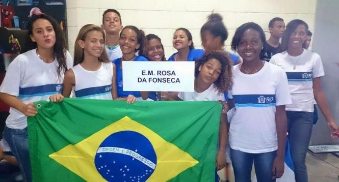 Atletas de hóquei da E.M Rosa da Fonseca