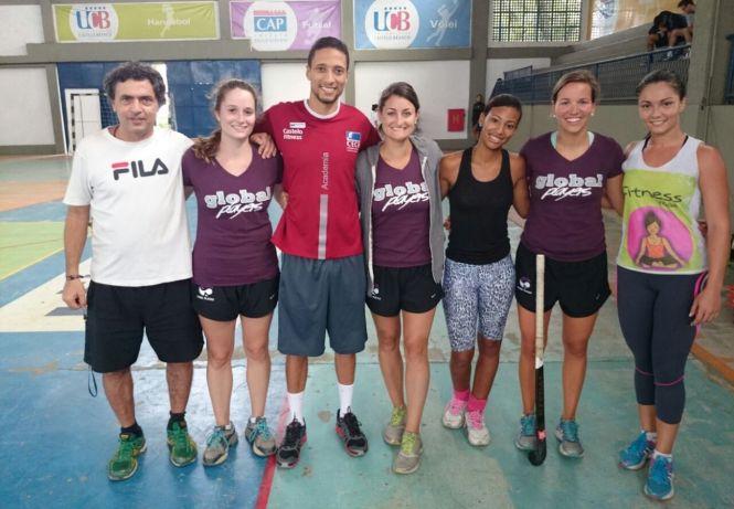 As norte-americanas visitaram o treino do Castelo Waves na UCB, na zona oeste do Rio de Janeiro