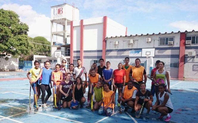 Dezenas de jovens participam dos treinos da equipe